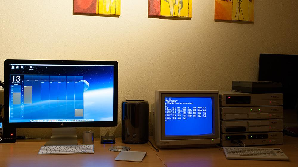 Büro mit KC85 und Monitor 1000
