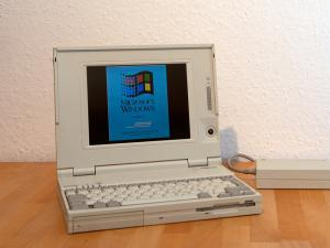 Laptop mit Windows 3.1